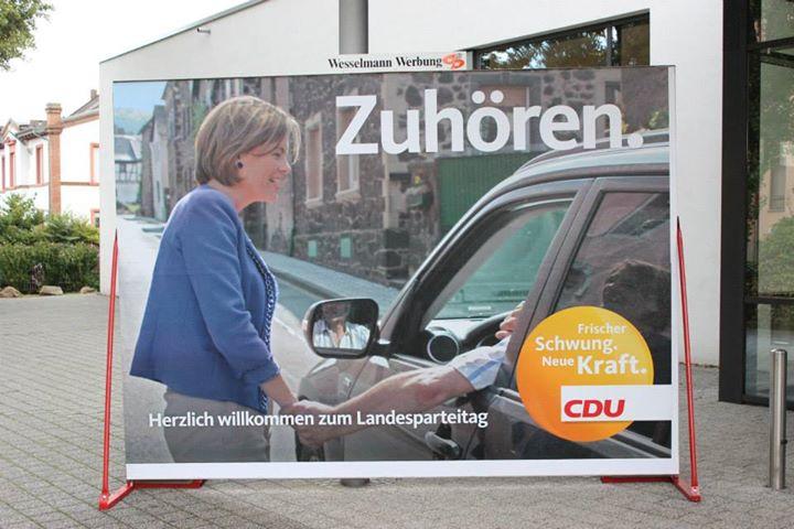 Cartel CDU escuchar