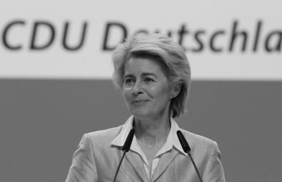 Ursula von der Leyen (CDU). Ministra de Defensa. Foto: Olaf Kosinsky, Wikimedia Commons, CC BY-SA 3.0. DE.